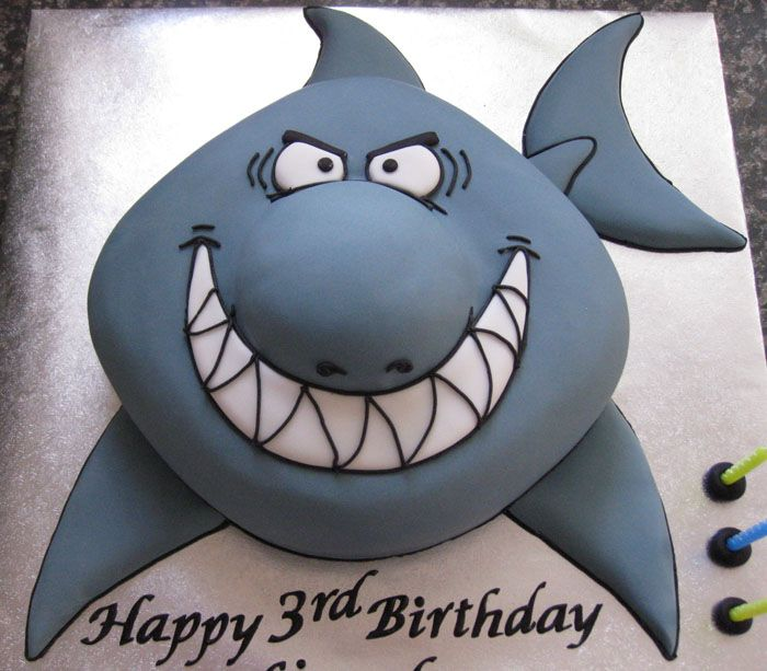 Shark Cake @nikki striefler striefler Ward My friend had a shark party last weekend and they had a cake based on this one. So cute!! (I saw you were pinning shark cakes :-D )
