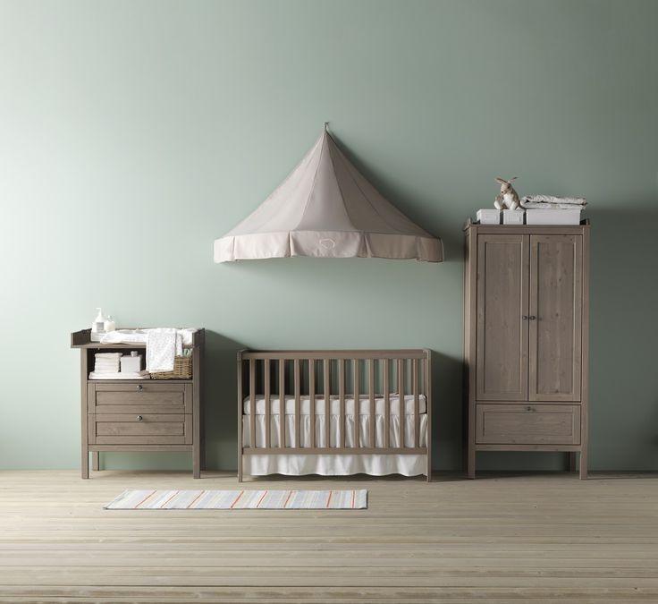 Ένα δωμάτιο γεμάτο αγάπη διευκολύνει το μεγάλωμα του παιδιού σας. Οι λειτουργικές λύσεις εξασφαλίζουν και τον ξεκούραστο ύπνο.