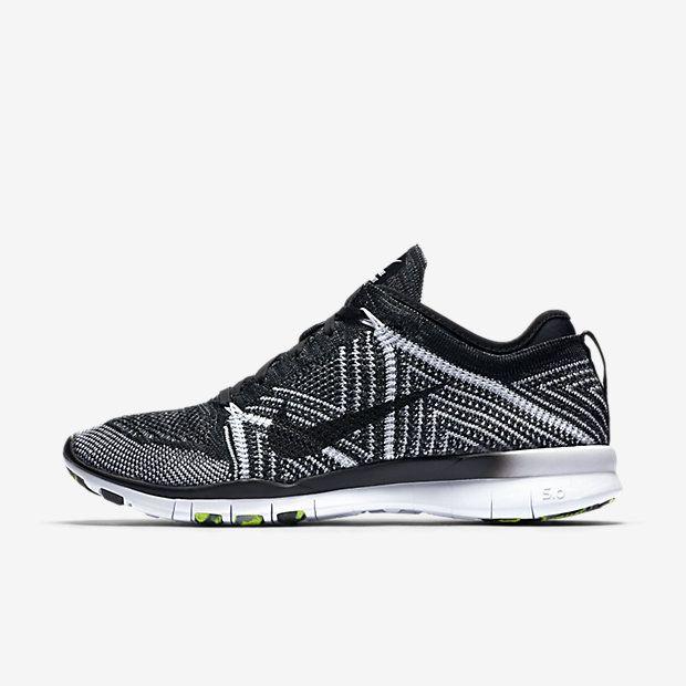 Γυναικείο παπούτσι προπόνησης Nike Free TR 5 Flyknit