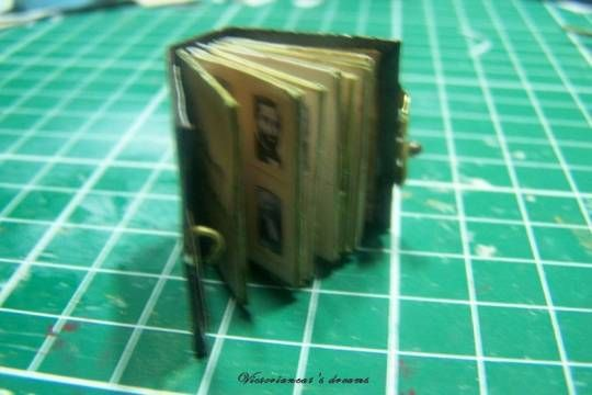 álbum de fotos: Dollhouse Tutorials, Leather Photoalbum, Album Photos, House Miniature Tutorials, Photo, Albums Photos