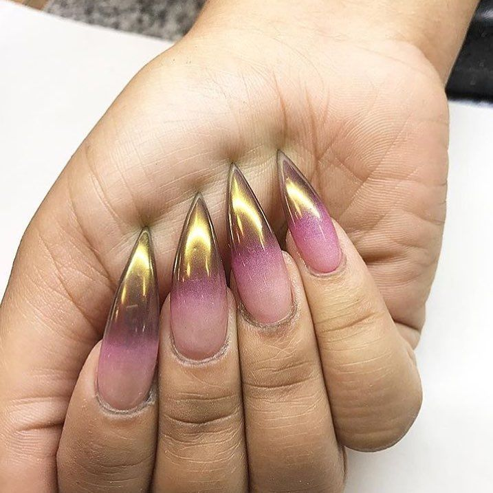 Ombre chrome 😍 #nails #naildesigns