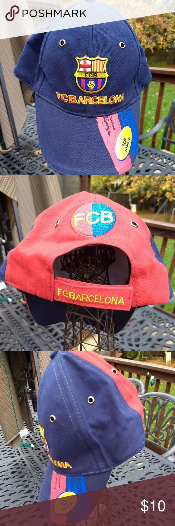 F.C. Barcelona Kids Cap NWT Great Gift!! Futbol Club Barcelona Professional football club cap NWT, never worn Junior size Adjustable size with Velcro closure Solid construction with wonderfully detailed patches and stitching Great gift Futbol CLub Barcelona Accessories Hats
