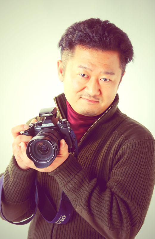 ゲスト◇ケースケ・ウッティー 1977年生まれ。日本自然科学写真協会 会員。自然環境問題に関心があり、特に人為的絶滅に追いやられる動物について何かできないかと思っている撮影対象は身近な自然から秘境まで。 1998年 日本動植環境カレッジ 自然環境保護学科卒業、 東京都葛西臨海水族園 準職員(アルバイト) 2001年 日本写真芸術専門学校写真芸術科卒業。