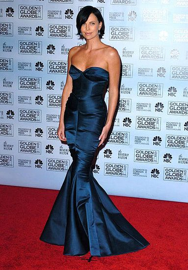 charlize theron fashion: Charlize Theron, 2005 Golden, Blue Dresses, Red Carpets, Dior Dresses, Golden Globes, Dresses Red, Theron 2005, Globes Dior