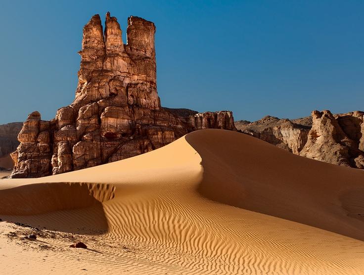 Tadrart desert, Algeria. Photo by Dmitry Dubikovskiy.
