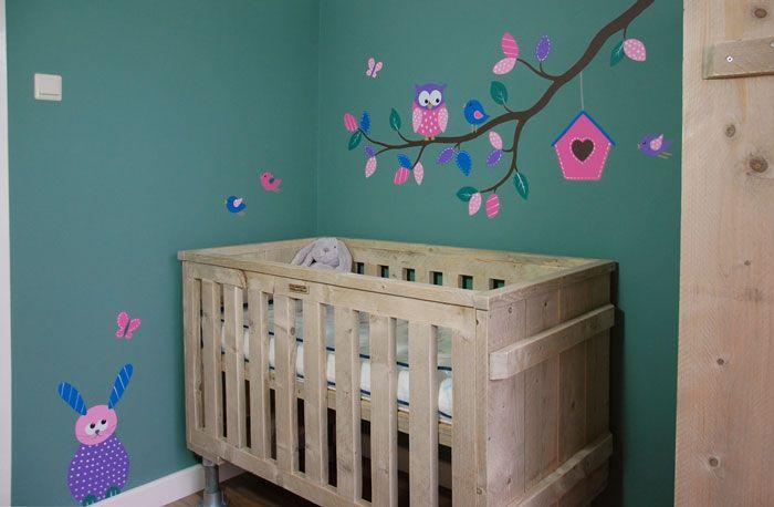 Tak uiltjes babykamer muurschildering in muursticker stijl. Kleuren worden ter plaatse afgestemd.  Gemaakt door BIM Muurschildering.  wall decal nursery