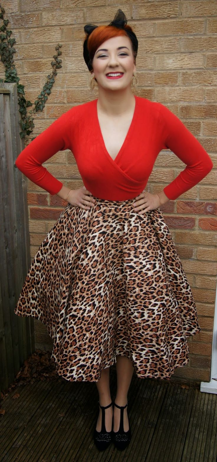 Wrap sweater + full skirt = super flattering                                                                                                                                                                                 More