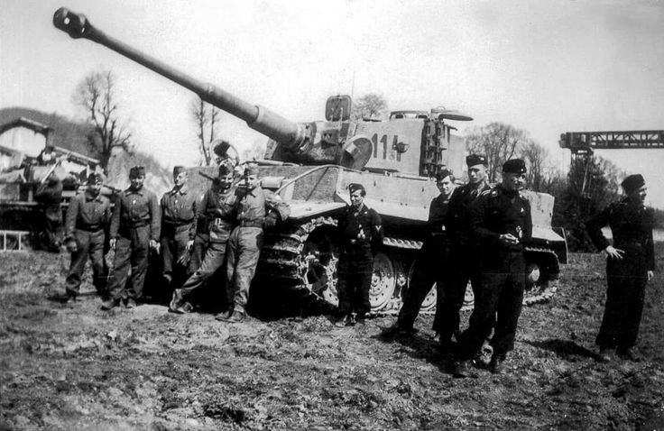 A late Tiger Ausf. E in Hungarian service in 1944, Galicia. The Hungarian 2. Armoured Division had few Tiger in the Summer of 1944