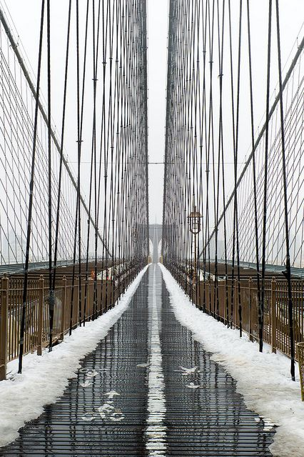 Snow in Brooklyn Bridge, NYC