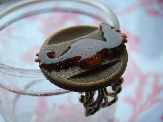 Ring. Very unusual.Vintage Bakelite