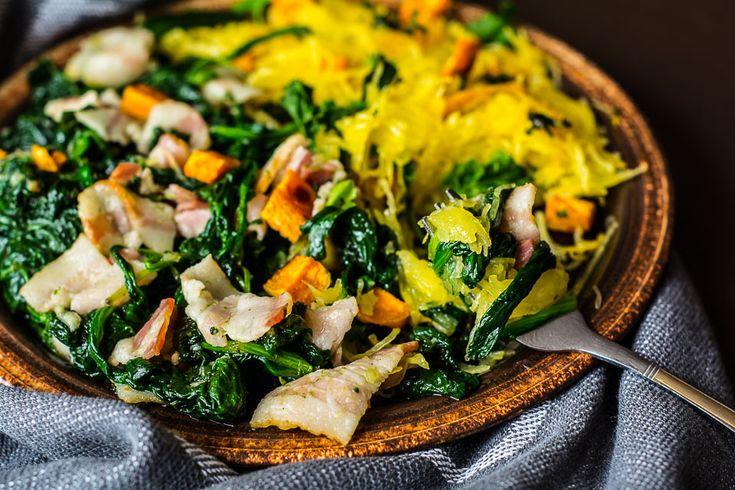 Spaghetti z dyni makaronowej. Jej smak i kolory nawiązują do kończącego się już lata i zaczynającej się jesieni. Dynia makaronowa po upieczeniu mięknie...