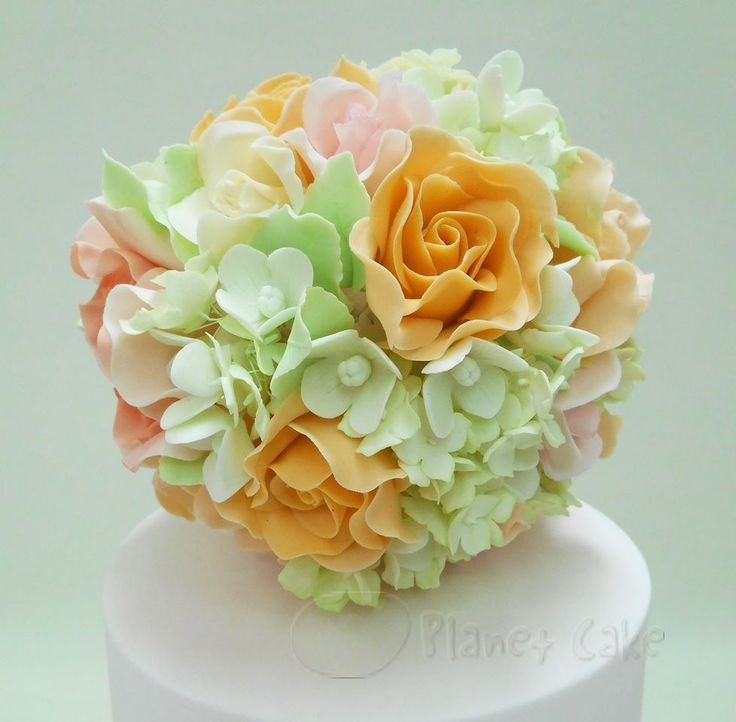 Sugar Flowers by Planet Cake www.planetcake.com.au