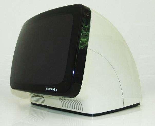 """Il celebre modello di televisore  chiamato """"Linea 1"""" e prodotto da Autovox  su disegno di Rodolofo Bonetto (1969).  http://www.leonardo.tv/storia-del-design/design-anni-60-icone/televisore-linea-1-autovox"""