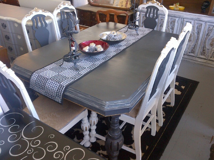 antique table with 6 chairs in graphite, white and gold gilding wax