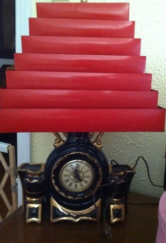 1950 S Tv Table Lamp Clock With Red Venetian Louvere Style