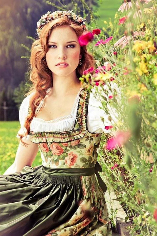 60 best images about oktoberfest dirndl frisuren on pinterest sexy dirndl and beauty. Black Bedroom Furniture Sets. Home Design Ideas