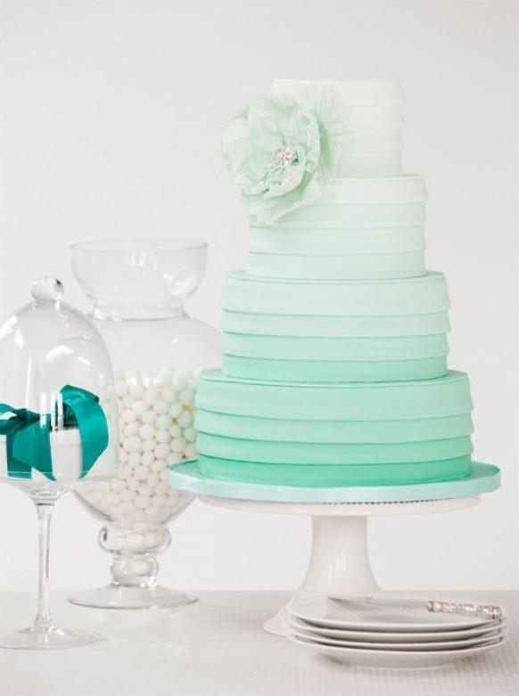 Weddbook ♥ Ombre Beauty Wedding Cake Es ist wirklich hübsch. Tiffany blau ombre Hochzeitstorte Idee. Bridal / Hochzeit Dusche oder Tee Teil Kuchen Ideen.  Ombre  tiffany  blasse  blue