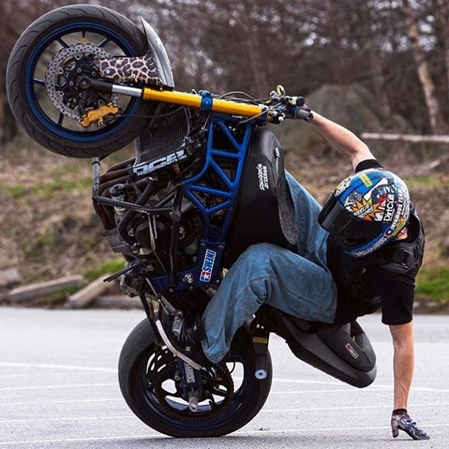 WEBSTA @ stunt_school - Rider: @dinox3m @zjohanssonphoto For a chance to be featured use #stunt_school#wheeliefactory #truehonor #cyclelaw #grom #brap #bikersofinstagram #Wheelie #stunting #shif_life #MotorcycleMafia #killswitchbikes #l4l #sportbikelife #iconmotosport #cbr #stunt #biker #wheelie #motogp #gsxr #r1 #r6 #zx6r #zx10r #ducati #bikelife #bikerboysofinstagram #motovlog #ftp