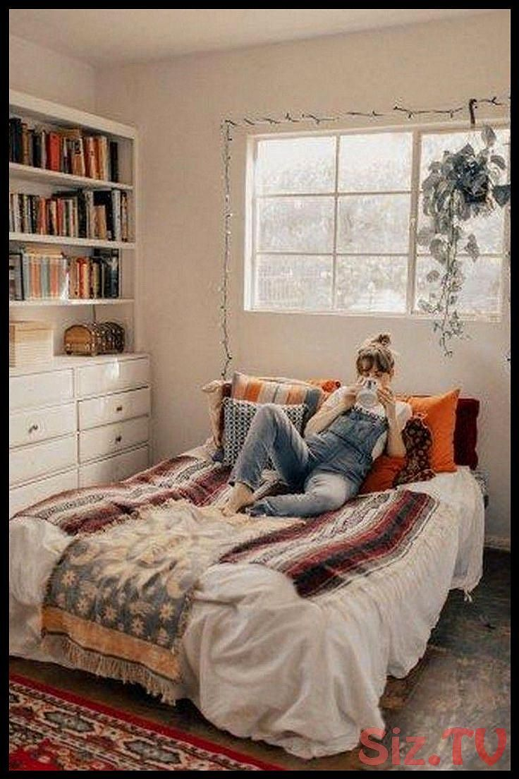 9 Good Elegant Cozy Bedroom Ideas With Small Spaces Page 2 Of 2 Bedroomdecor Be Bedroom Decor Cozy Cozy Small Bedrooms