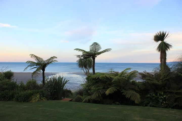 Adrift beach Resort - Heavenly Place