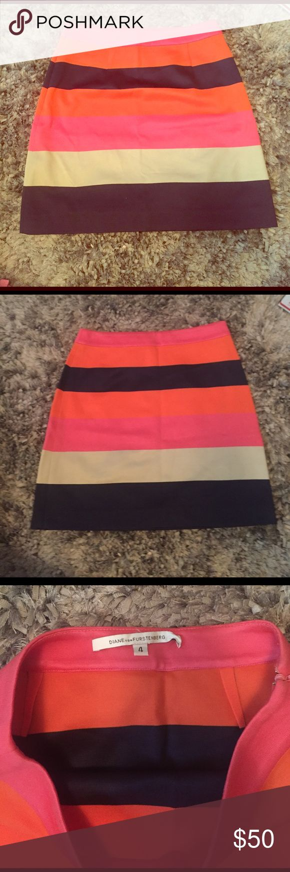 DIANE VON FURSTENBERG SKIRT SIZE 4 Multi color skirt Diane von Furstenberg Skirts Mini