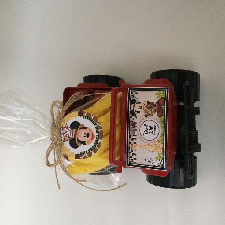 Lembrança mickey safari, personalizamos em outros temas.   Com geléias de bananinhas  Jeep Rodão de plástico personalizado e convite.