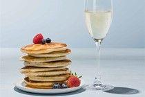 Champagner und Pancakes  Jeder kennt Geheimtipps bei der Kombination von Wein und Speisen. Eine originelle Mariagen stellen wir Ihnen hier vor : Zu fluffigen Pancakes servieren wir Champagner von Eric Rodez  http://the-champagne.ch/index.php/shop/category/view/21