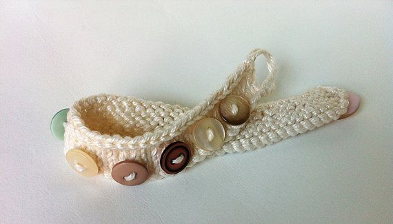 Little Knitted Button Bracelet  PDF Download by Scrumbobbly
