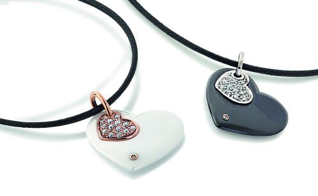 Ceramica.....pendenti in ceramica bianca/nera con oro rosa/bianco e diamanti taglio brillante.  Gioielleria F.lli Cappon Torino
