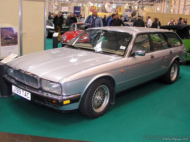 Jaguar XJ40 estate prototype, would have sold if the factory was a little less hesitant, after the rich fat cats all play golf, drag horse floats, have multiple kids and more dogs,.....