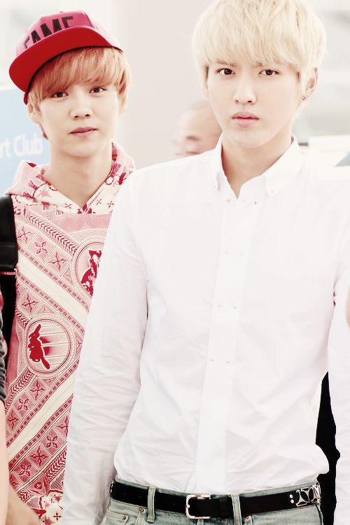 I miss you two so much I can't even stand it... I never imagined EXO as 10...</3