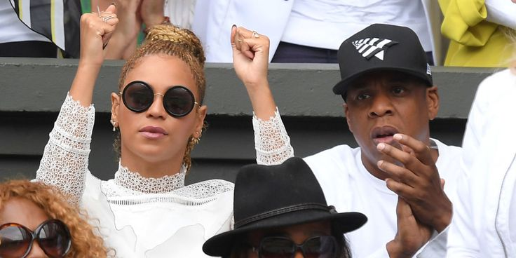 """Beyoncé Was All """"Go Sports?"""" While Watching Serena Williams Win Wimbledon"""