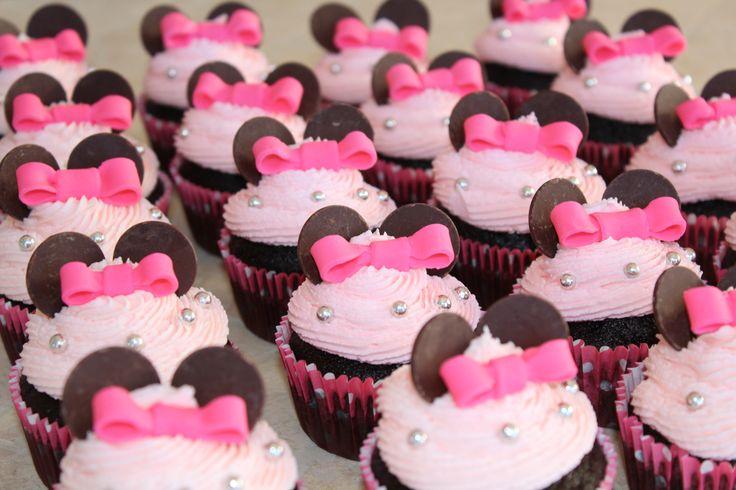 Minnie Mouse chocolate cupcakes