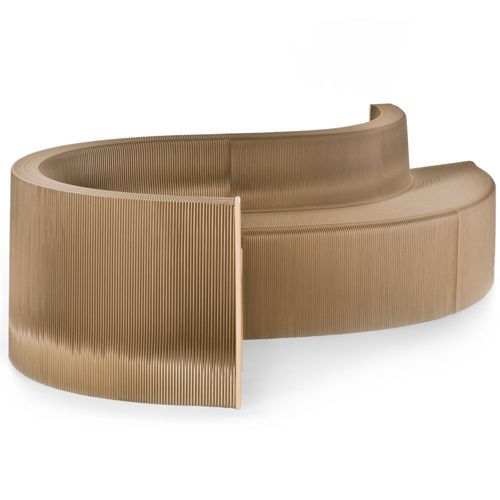 Model: Flexible Love Sofa - Ontwerper: Cartoni Concepts - Herkomst: Nederland - Vervormbaar in zigzag, cirkel, harmonica of rond - Materiaal: Gerecycled papier (karton) en houten vezelplaat - Prijs: €420,-