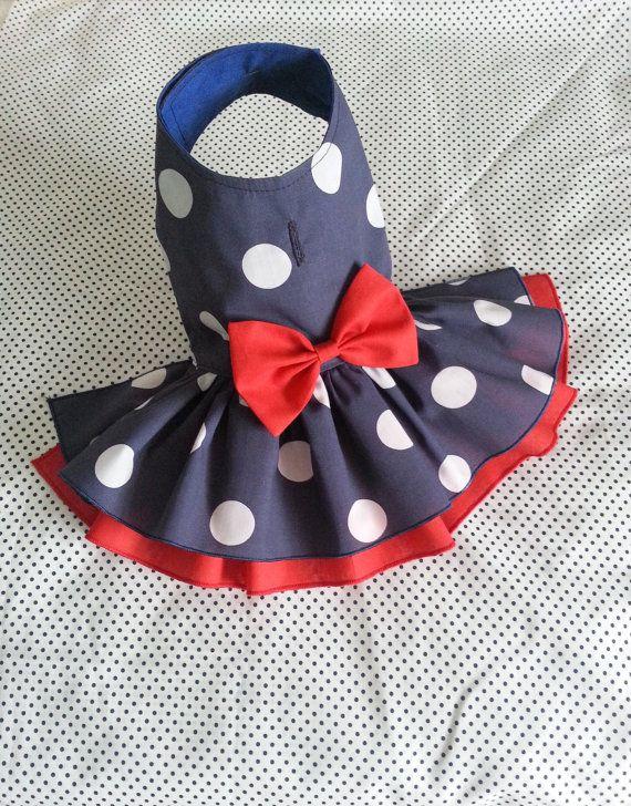 Perro pequeño clásico vestido capa de ropa por TeddyFaceDogClothes
