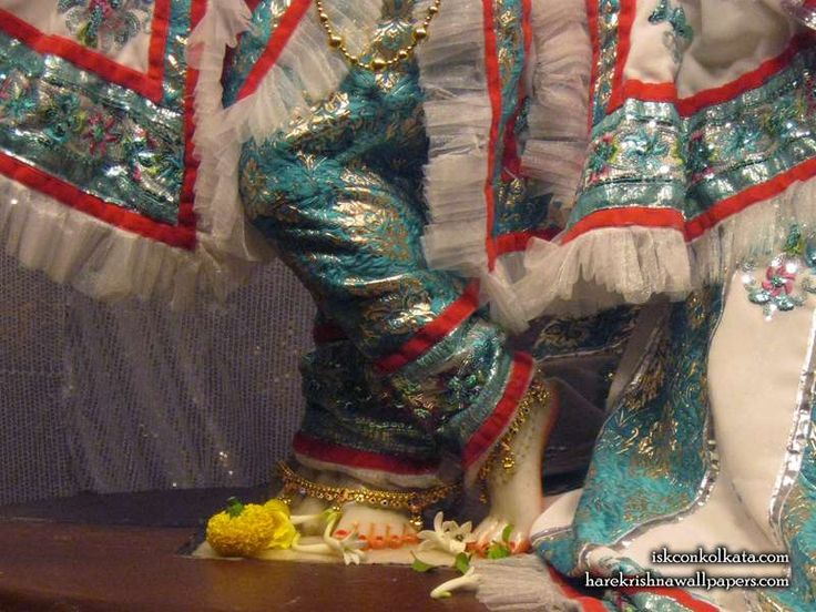 http://harekrishnawallpapers.com/sri-govinda-feet-iskcon-calcutta-wallpaper-001/