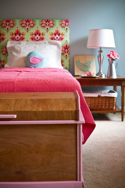 Girls bedroom: Wall Colors, Colors Combos, Little Girls, Girls Bedrooms, Daughters Room, Colors Schemes, Upholstered Headboards, Amy Butler, Girls Rooms