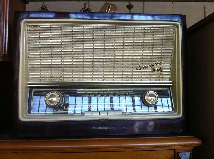 radio valvole telefunken concerto. Valore commerciale 150€, offerta libera.
