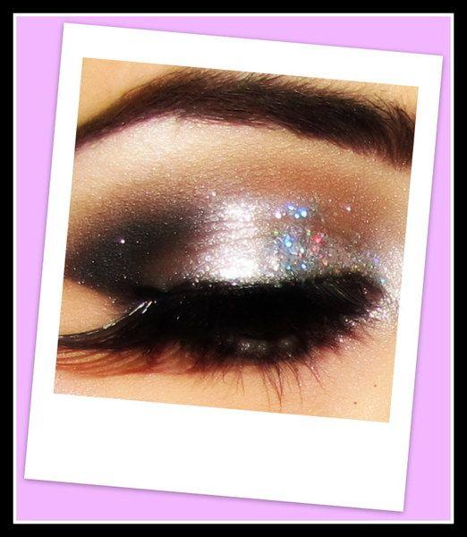 Swipe on some sparkle on those eyelids
