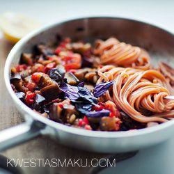 Makaron z bakłażanem i chilli