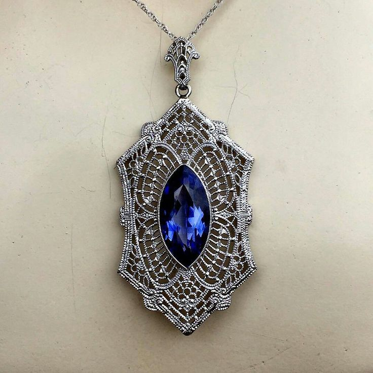 At @the_parisian_ #filigree #labcreatedsapphire