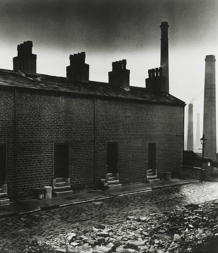 B. Brandt. Coal miners' houses without windows to the street (East Durham), 1937