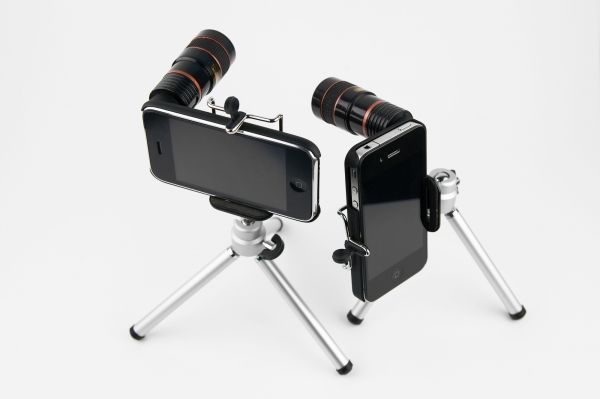 The iPhone Telephoto Zoom Lens attaches to your phone giving your fixed lens 8x the zoom
