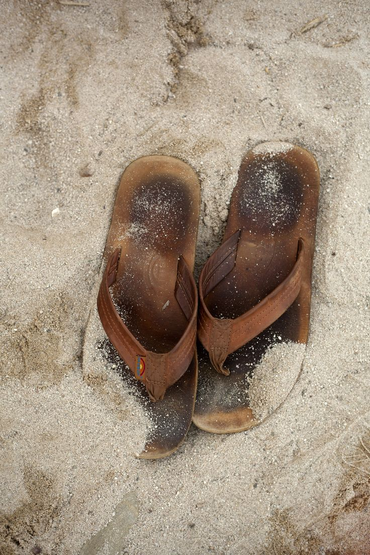 rainbow flip flops - my favorite brand of flip flop