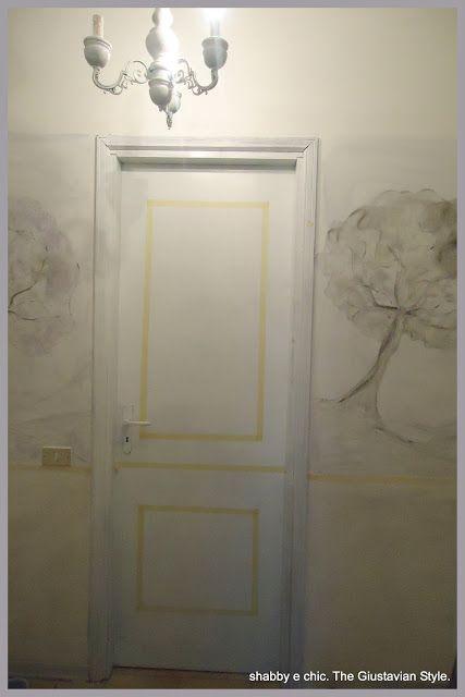 Shabby è Chic! : Ricetta: come trasformare le porte di casa con un barattolo di colore e un pò di nastro carta......