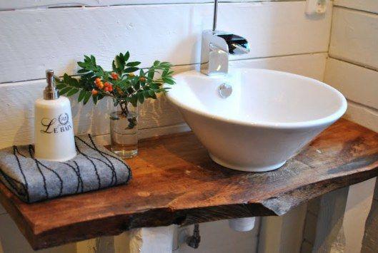 Scandinavian-style-swedish-bathroom-white-antique-wood-sink