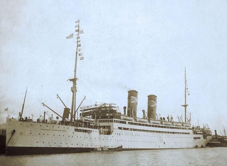 Το νεότευκτο επιβατηγό VASILEFS CONSTANTINOS που κατασκευάστηκε το 1914 για την Εθνική Ατμοπλοΐα της Ελλάδος. / The passenger liner VASILEFS CONSTANTINOS built in 1914 for the National Steam Navigation Co. Ltd. of Greece.