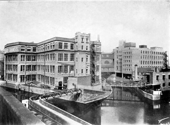 1920s: General view of the fine chemical and pharmaceutical laboratories of Boots Pure Drug Company, Island Street, Nottingham.