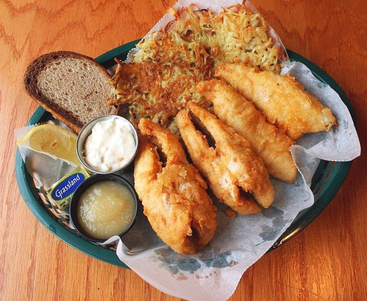 J b 39 s blue ribbon bar grill perch fish fry milwaukee for Best fish fry milwaukee
