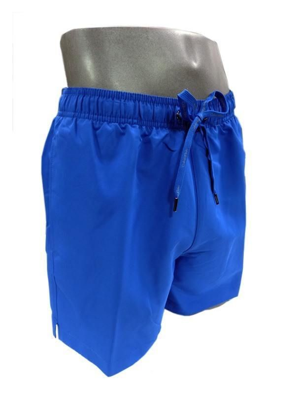 Prenda de baño de corte clásico y largo de pierna medio. NUEVO COLOR AZUL ELECTRICO, con bolsillos. Varelaintimo bañadores de hombre. Envio: 24/48 horas. http://www.varelaintimo.com/78-banadores